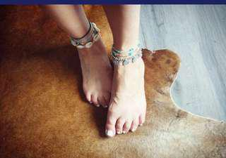 Turquoise and Sea shell ajustable Bracelet and Anklet Elegant and beautiful
