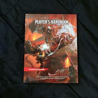 Dungeons and Dragons Player's Handbook (5e) + Free Dice (Set of 7)