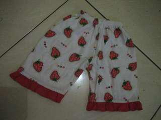 Celana pendek bayi strawberry