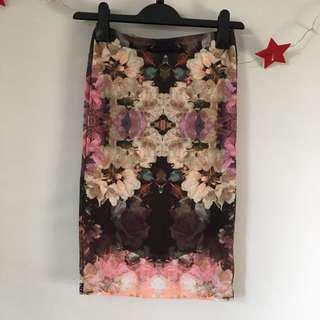 🚚 Topshop Bodycon Floral Print Skirt hugging tight