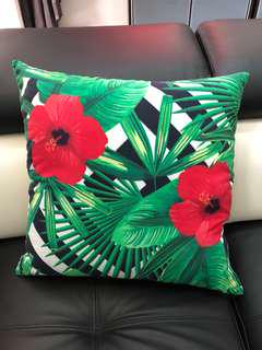 4 pieces of Decor Cushions with flora print cushion cover