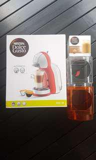 [Free gifts] BNIB Mini me coffee machine dolce gusto