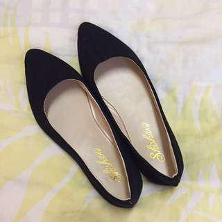 Black Pointed Flats/Loafers