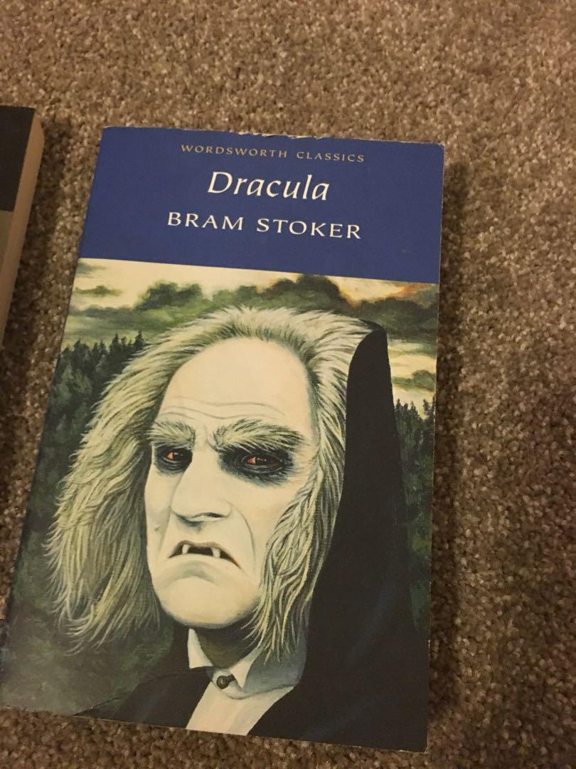 Classic book bundle (Frankenstein, Dracula and The Secret garden)