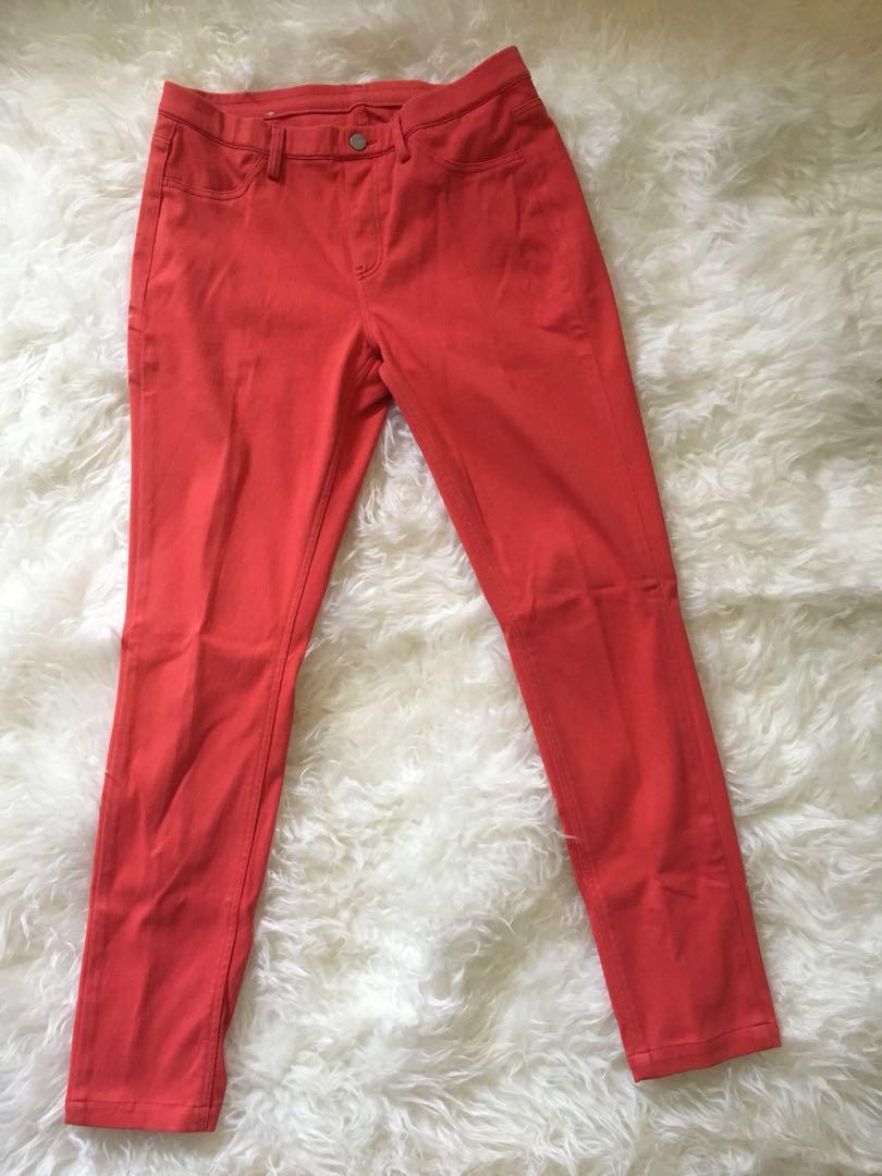 Mauiphonex Celana Legging Uniqlo Women S Fashion Women S Clothes Bottoms On Carousell