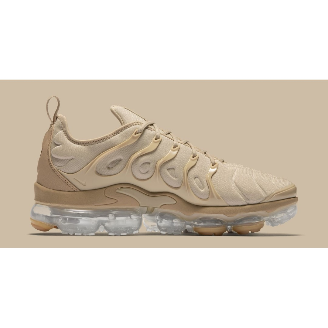 f26378feb5133 Nike Air Vapormax Plus Shoes – String/Black/Desert/Gum Light Brown ...