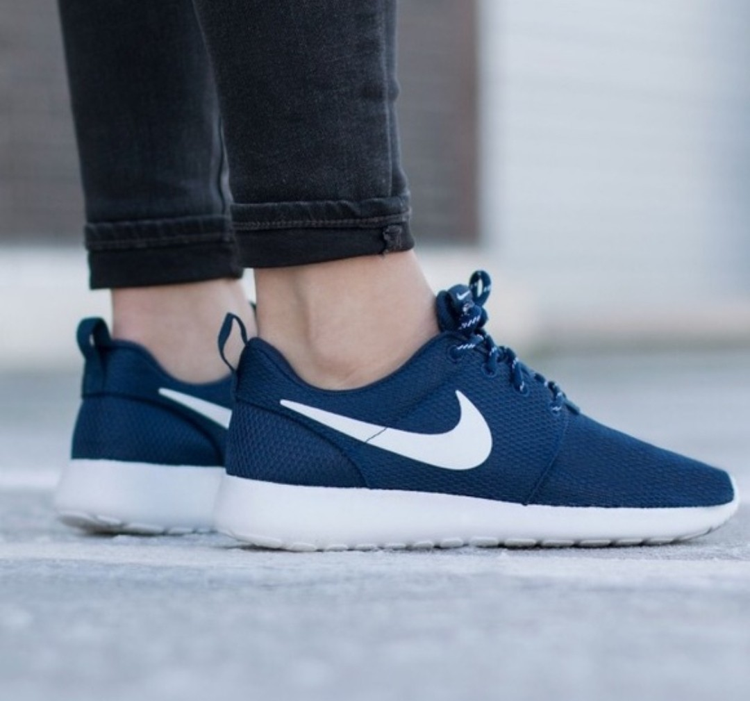 Nike Roshe Run Navy Blue b6e6388b6