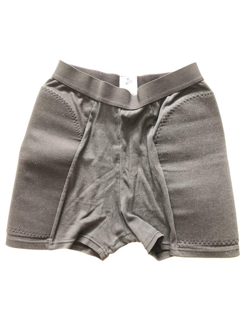 4c0f6c308015 Padded sliding sports pants - softball baseball Volleyball, Sports, Sports  Apparel on Carousell