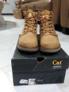 Caterpillar woman boots