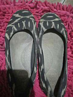 Sepatu Wakai Leopard