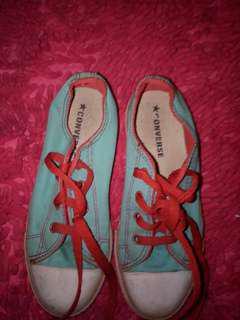 Sepatu Convers anak