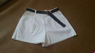 🚚 全新S白褲