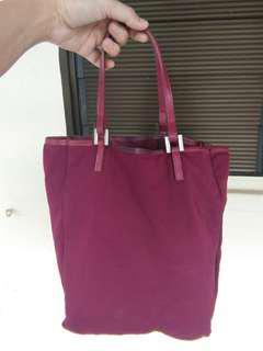 $20(Non-Neg)! Authentic Fendi Handcarry Bag
