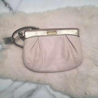 Small Wristlet in Peach