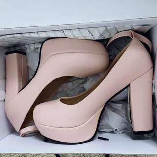 Womens Baby Pink Pumps