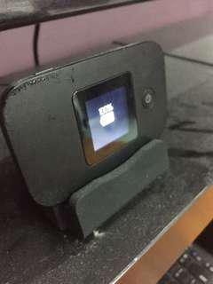 Huawei E5377 Wifi Modem + Charging Stand