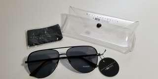Brand New Quay Australia X Desi High Key Mini aviator sunglasses black