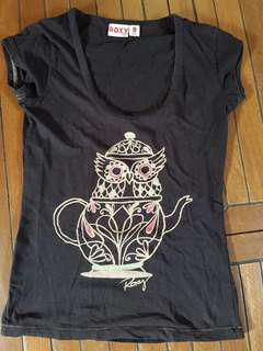 FREE NORMAL LOCAL POSTAGE. Authentic ROXY Size 8 T-shirt