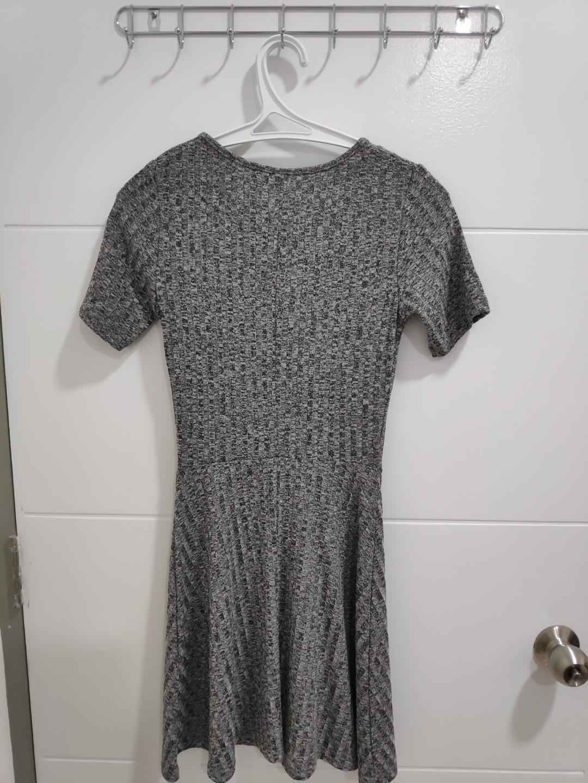 #09009 H&M Grey XS