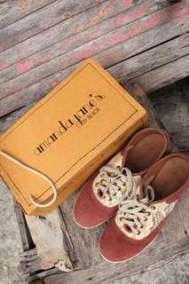 Sneakers Amanda Jane's - suede shoes