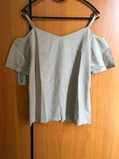 Atasan off shoulder light brown