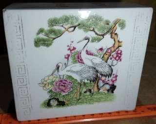 瓷枕牡丹松鶴圖