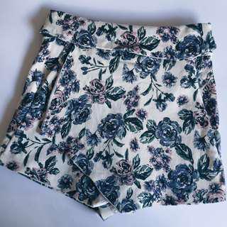 MDS Floral Folded & Hung Skorts