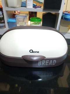 Tempat penyimpanan  roti - Bread storage