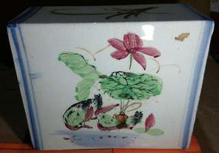 瓷枕鴛鴦水蓮圖 略有冰裂紋美美的古品