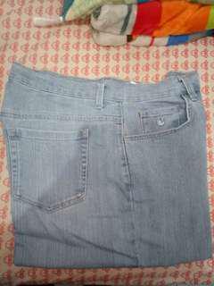 Celana jeans / jeans wanita / jeans preloved