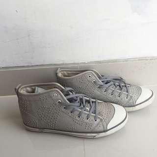 Guess Shoes High Stud Grey #MauIphoneX