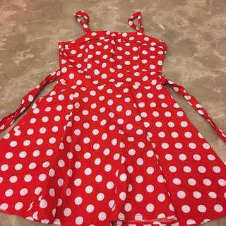 紅白點點洋裝