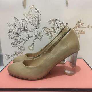 KATIE JUDITH 37號米色3吋高踭鞋 包順豐