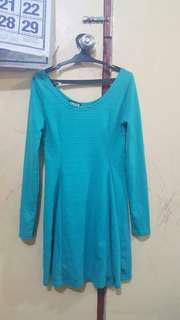 Bluegreen longsleeve dress