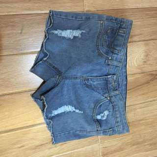 100rb 3/ Celana pendek