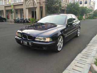 BMW E39 528i 1998AT Single Vanos Biarritz Blue metallic Mint Condition