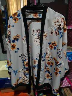 Kimono outwear floral grey