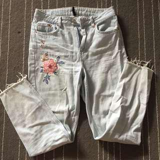 H&M Divided Embroidery Ripped Jeans