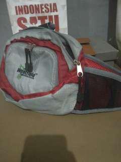 Waist bag trackin belon pernah dipake #jualrugi #mauiPhoneX