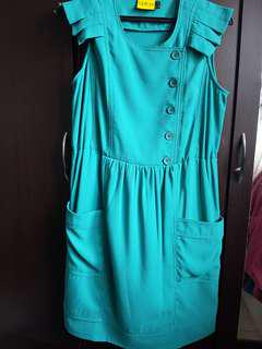 Outing Green Knee-Length Dress