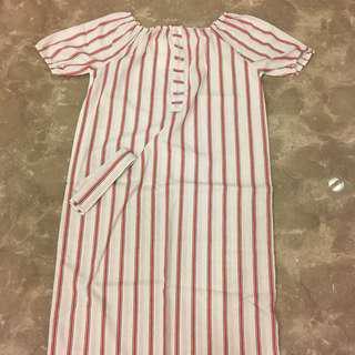 條紋一字領長裙