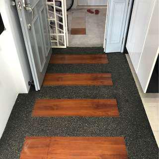 Anti slip pebble floor