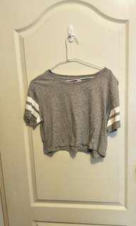 🚚 H&M短版T-shirt