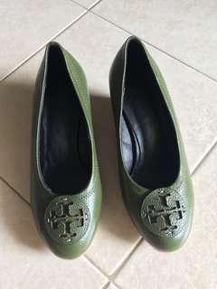 🚚 ☘️ *Instock* Tory Burch Miller Leather Wedge Olive Green US 5 (FREE NORMAL MAIL!)