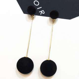 black pom pom earring #under9