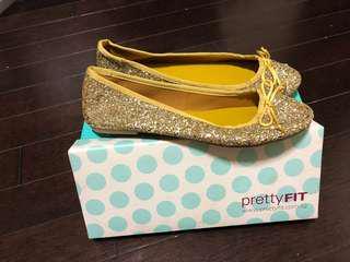 Prettyfit Shiny Yellow Flat shoes (new)