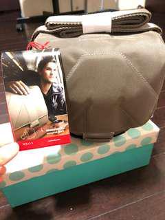 Manfrotto Camera Shoulder Bag (new)