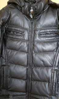 賣場3件100冬天羽絨厚外套內層完好無瑕疵(外觀吊漆)