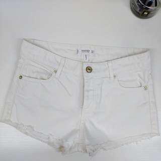 🚚 Mango 白色牛仔短褲