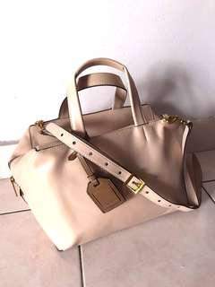 Rabeanco ivory leather handbag